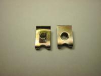 Скоба металлическия под саморез 2121* маленький